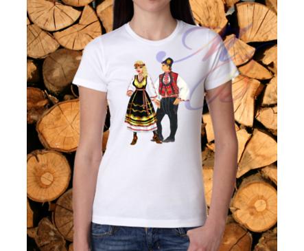 Дамска тениска с фолклорни мотиви M