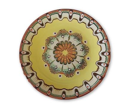 Жълта чиния с троянска шарка 30 см
