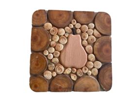 Дървена дъска за топли съдове с елемент Круша 15 см