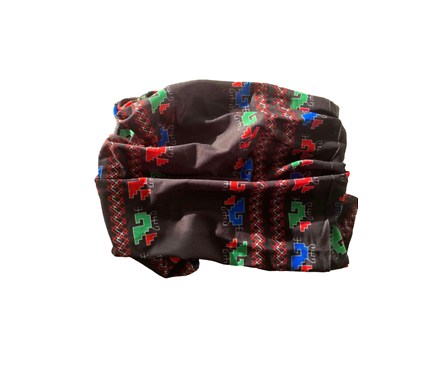 Безшевен шал бандана маска с щампа български шевици черна